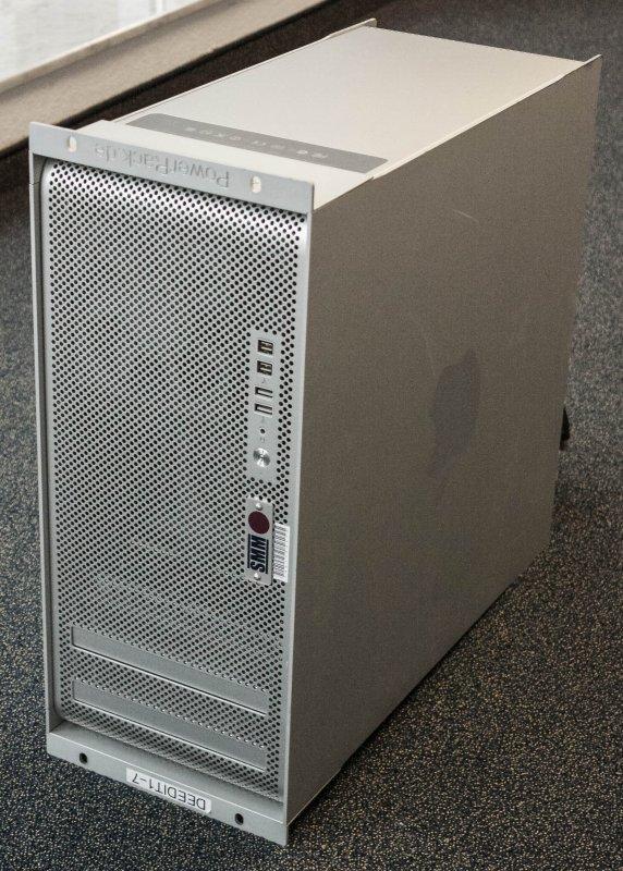 "Mac Pro im 19"" PowerRack SMM"