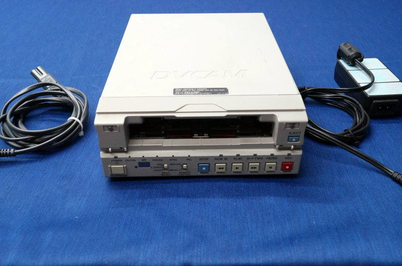 Sony DSR-11 DVCAM/DV Digital Recorder/Player